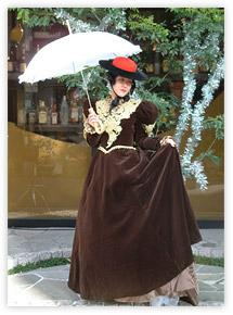 変身したまま、カラオケやダンス、お酒などが楽しめるプランもあります。(要予約) \u203b洋物ドレスの衣装のみ。